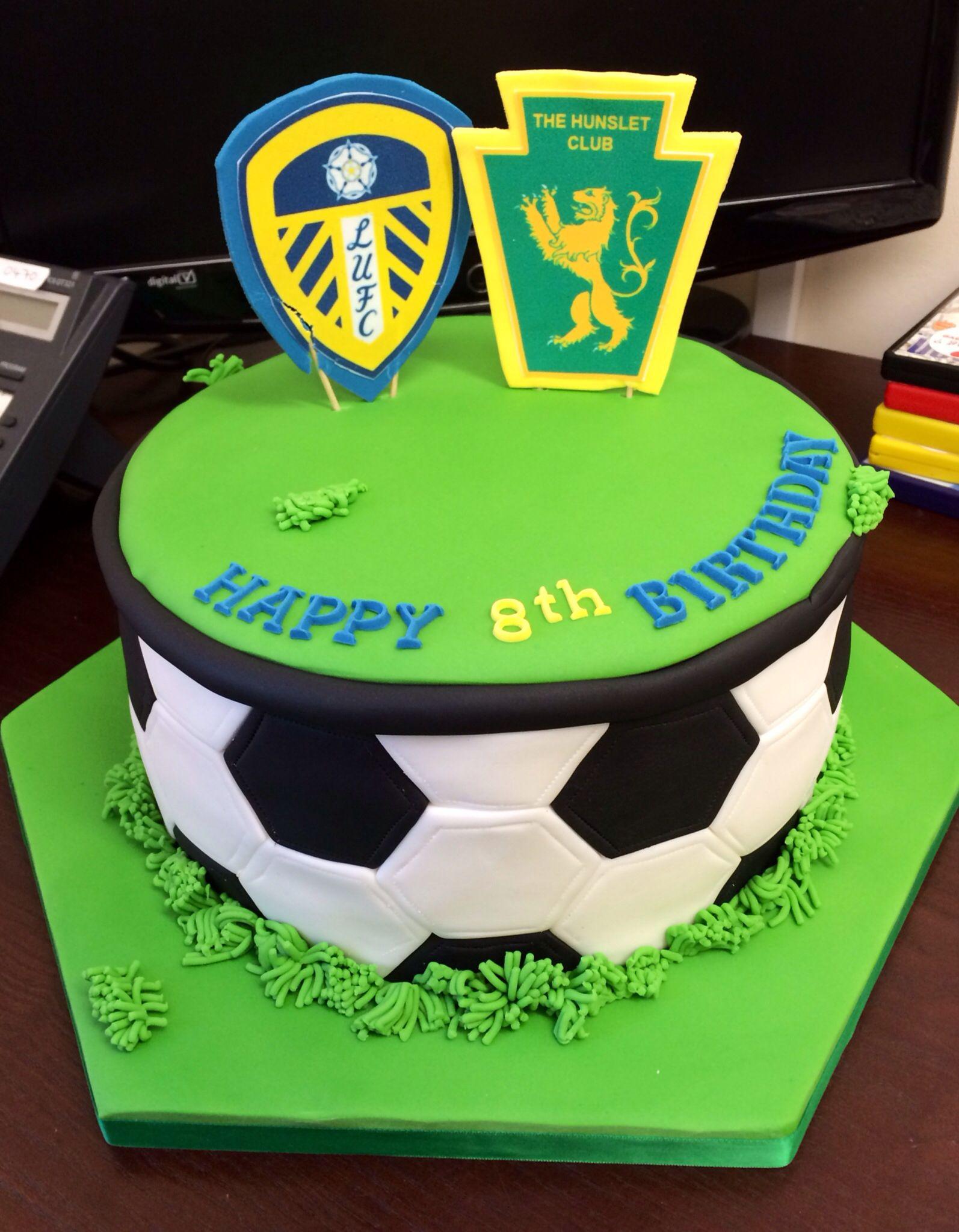Leeds United and Hunslet football cake (design taken from http://www.flickr.com/photos/88073023 ...