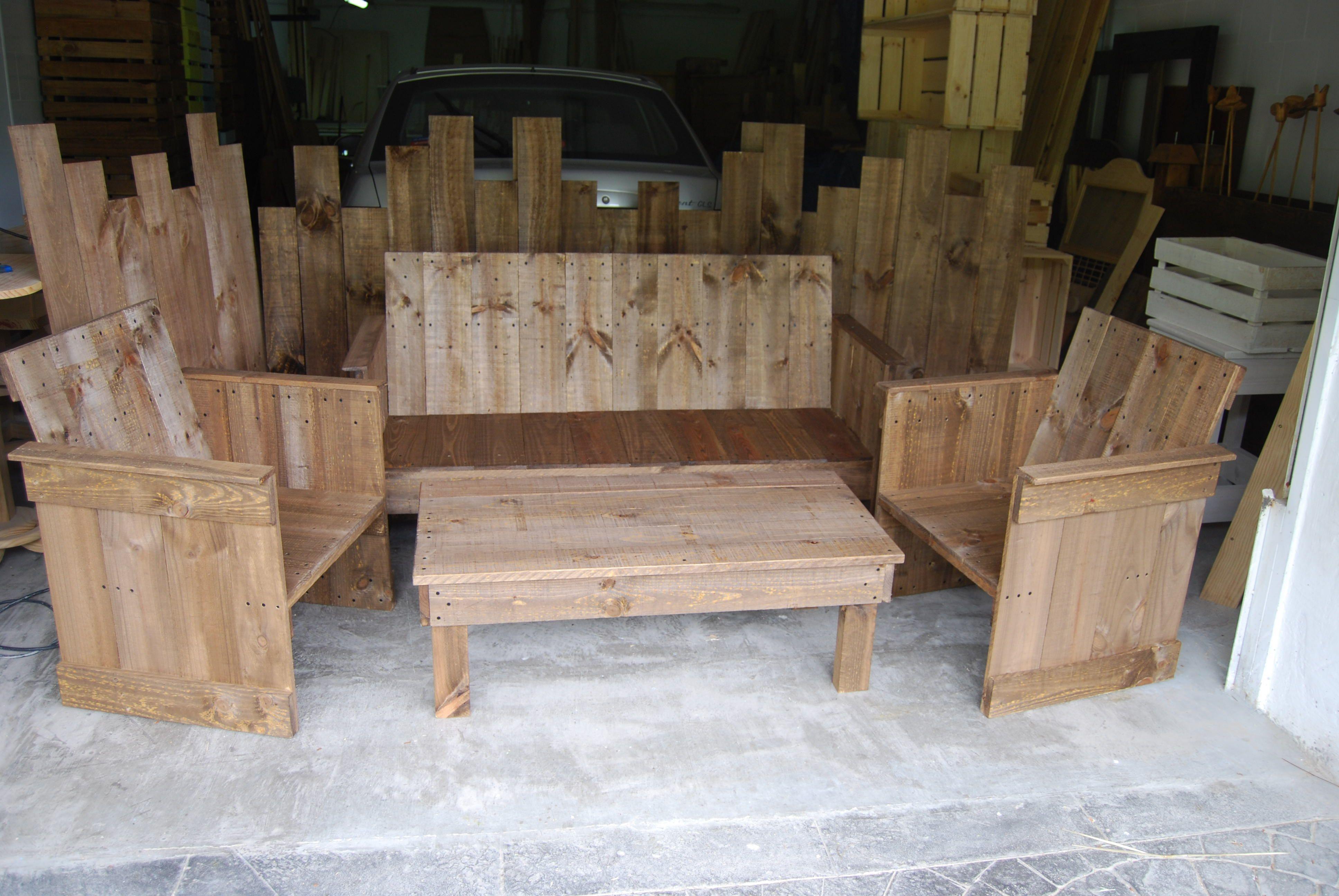 Sofá, Mesa Y Sillones Para Tu Jardín, Comedor O Negocio #madera #artesanal  #design #interior #exterior #decoracion #madera #wood