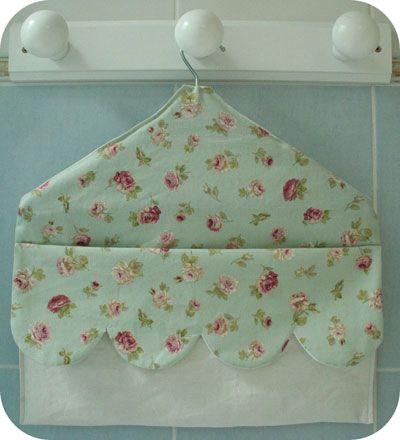 pochette suspendre en tissu patron couture gratuit couture en vrac pinterest couture. Black Bedroom Furniture Sets. Home Design Ideas