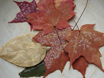 decoració de fulles a la tardor