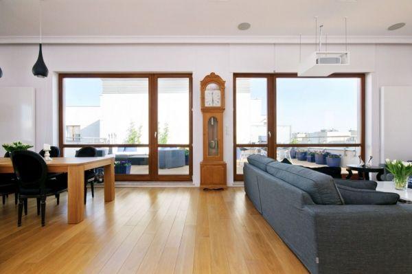 Wunderbar Offene Loft Wohnung Alte Uhr Dekoidee Holzboden