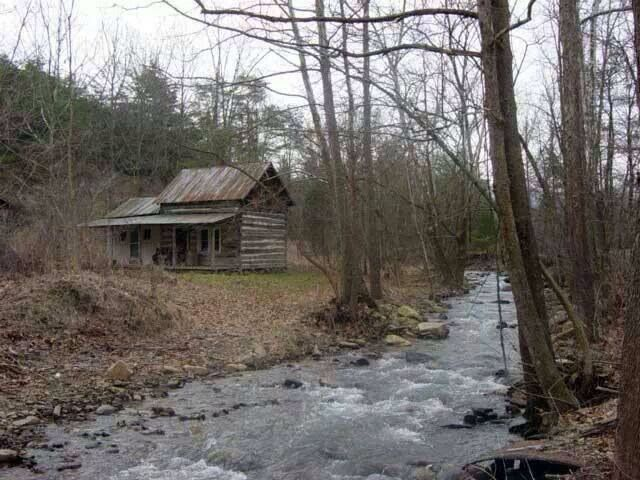 Small Wood Cabin By A Stream Old Farm Houses Cabins In The Woods Cabins And Cottages