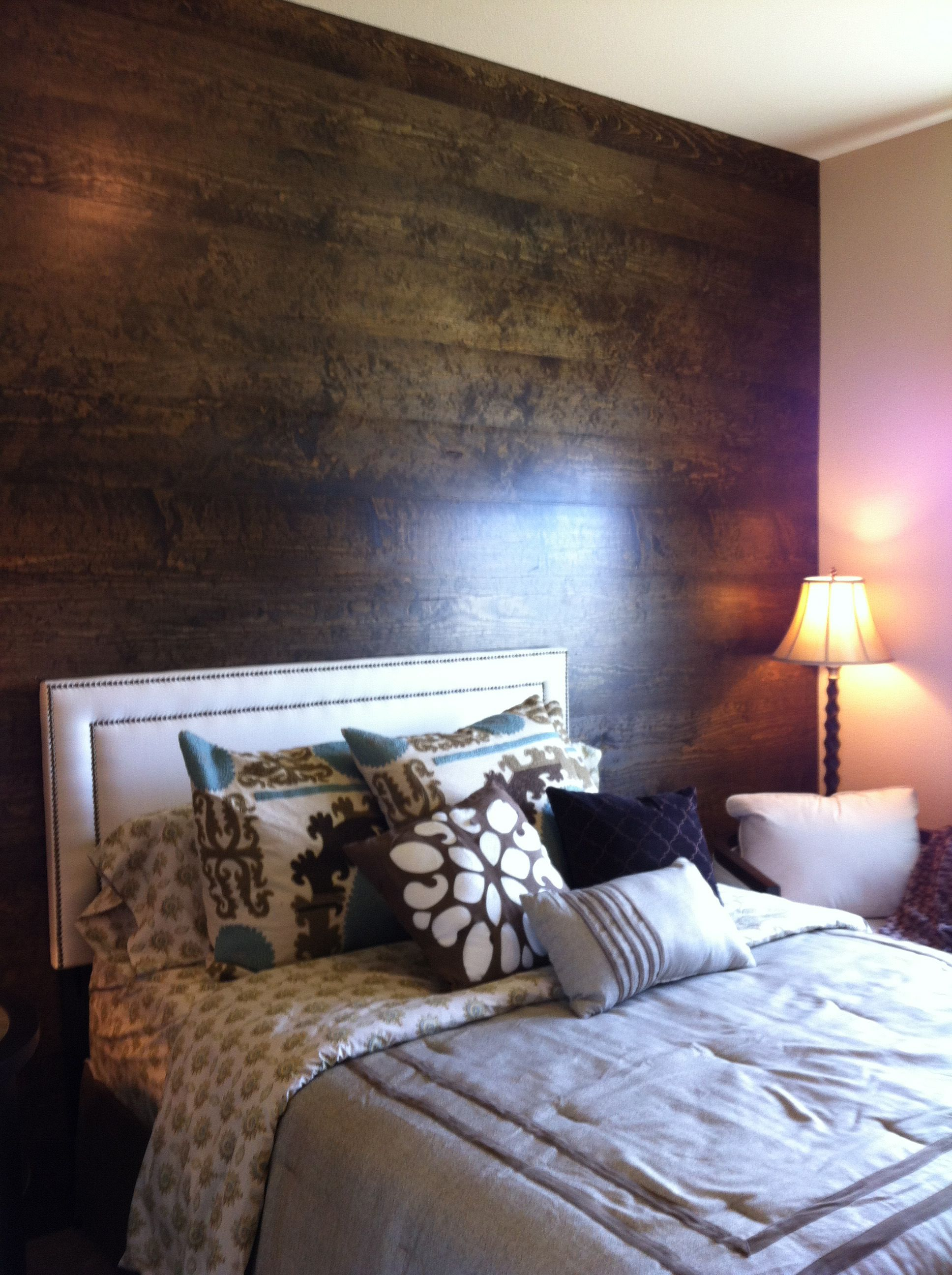 Dark Wood Laminate To Make A Feature Wall Home Bedroom Laminate Wall Interior Design