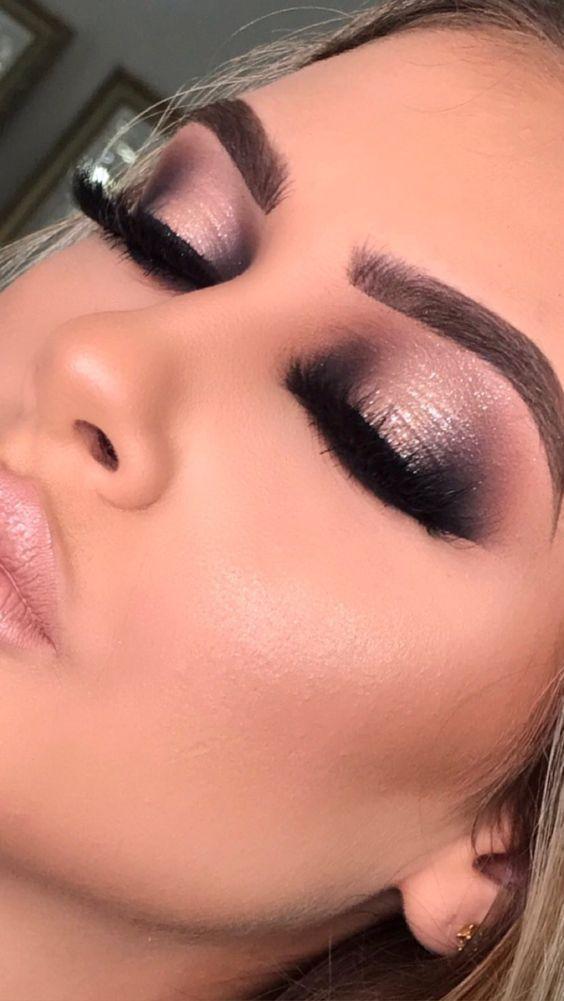 Aprende las principales técnicas de maquillaje profesional (haz clic aquí y mira)
