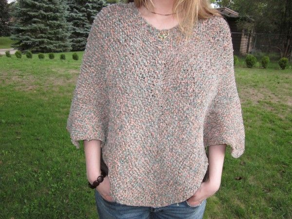Hand Knit Poncho {Vintage Knitting Pattern}  Free pattern, this is an easy pattern which you can use as a basic template to make a poncho, either knit the pattern as is or add a few alterations as you wish
