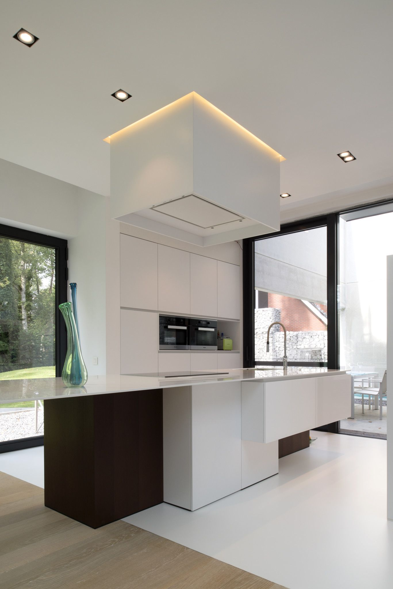 overgang gietvloer en parket in een moderne keuken home sweet home dreams. Black Bedroom Furniture Sets. Home Design Ideas