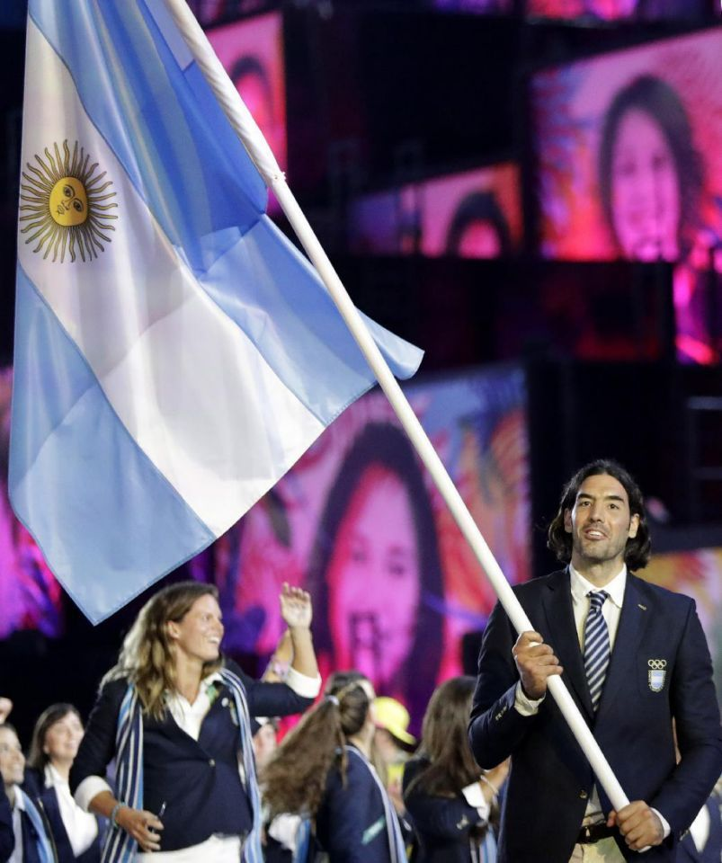 #RIO2016 Luis Scola carries the flag of Argentina during the opening ceremony for the 2016 Summer Olympics in Rio de Janeiro, Brazil, Friday, Aug. 5, 2016. (AP Photo/David Goldman)