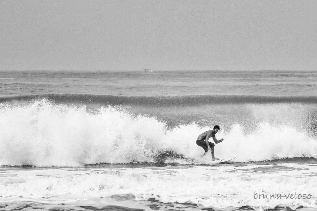 Check out our Surf clothing here! http://ift.tt/1T8lUJC Sintonia é quando as duas pessoas postam ao mesmo tempo rs  #surf #lifestyle #surfing #gooddays #pb #bw #eave #blackandwhite #love #soul #mar #mardocelar #surfersmagazine #drop #altasondas #guaruja #shore #ocean #lost #mormaii #surflife #vibe #sintonia #adoro