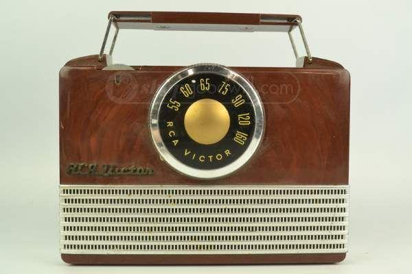 Vintage RCA Victor Vacuum Tube Analog Radio in 2019