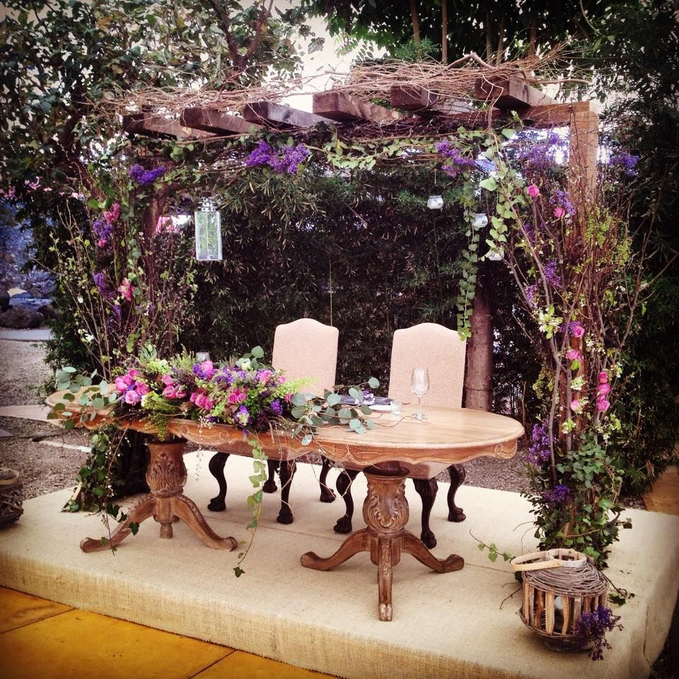 Mesa de novios wedding day pinterest mesa de novia for Decoracion de pared para novios