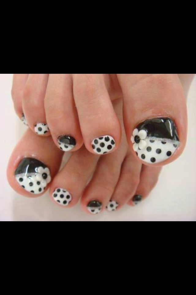 Black and white polka dot pedicure nail design - 55 Black And White Nail Art Designs PERFECT TEN.... NAILS AND TOES