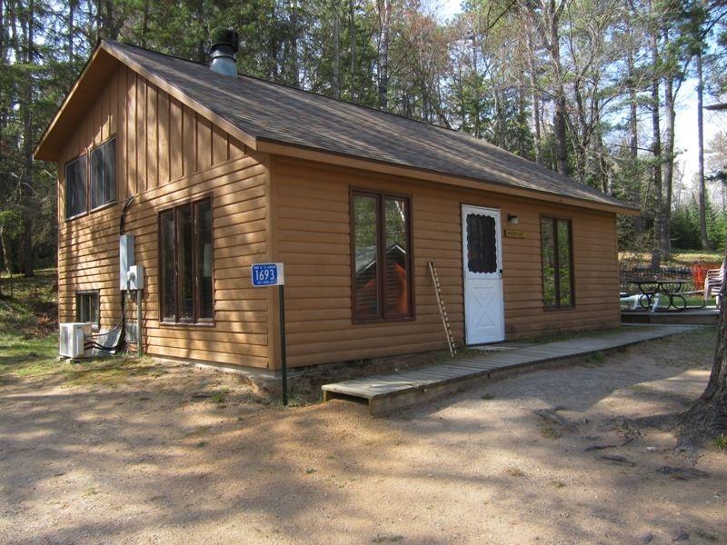 Idle Hours Resort Woodside Cabin wisconsin trip