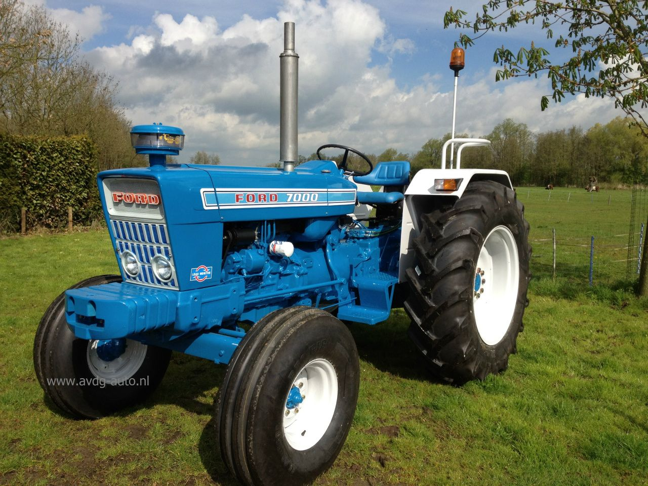 Ford 7000 Tractor : Ford pinterest tractor and tractors