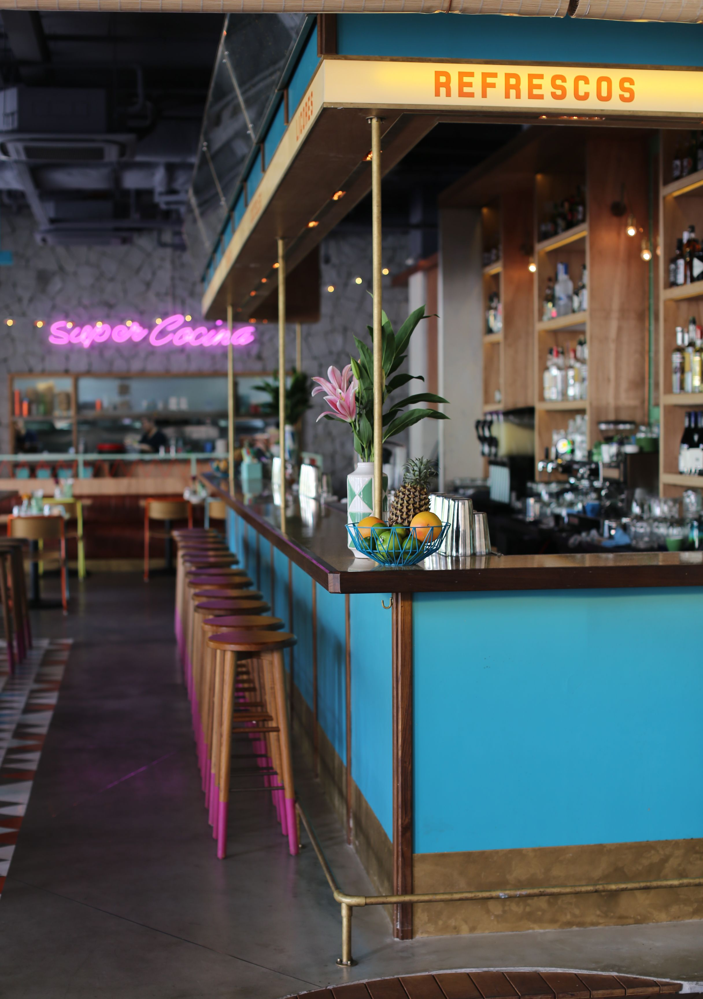 Super Loco Mexican Restaurant And Bar Robertson Quay Singapore Www Super Loco Com Restaurant Design Inspiration Mexican Restaurant Design Bar Design Restaurant
