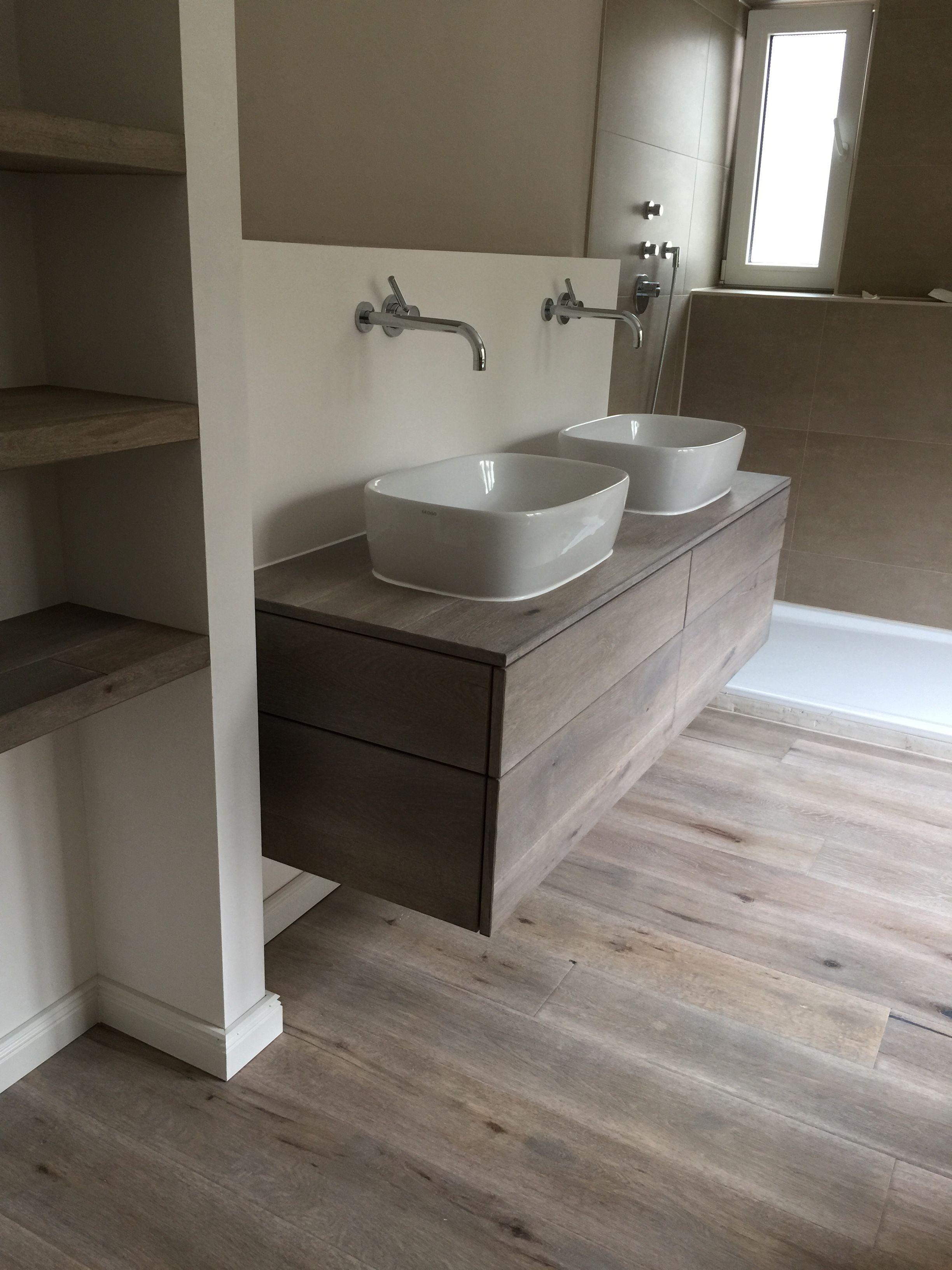 waschtischunterschrank in eiche massivholz vintage look badezimmer deko pinterest. Black Bedroom Furniture Sets. Home Design Ideas