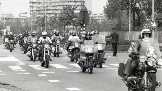 elfsteden optocht motoren Historisch Centrum Leeuwarden - Beeldbank Leeuwarden