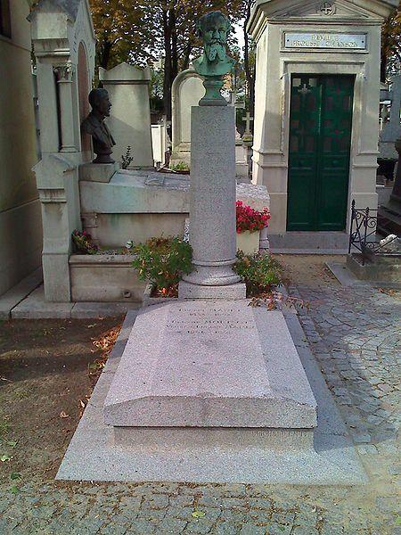 Cementerio de Passy - París, Francia.  Tumba de Édouard Manet y muchos famosos más...