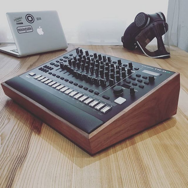 Roland TR8S Lux Desk Stand by mixingtable | 调音台