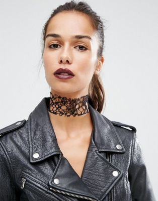 Suzywan Halloween Cut Out Web Choker