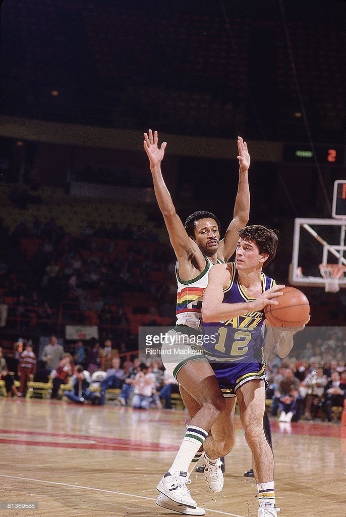 Utah Jazz John Stockton 12 In Action Vs Denver Nuggets Mike Evans 5 Denver Co 12 1 1984 John Stockton Nba Utah Jazz