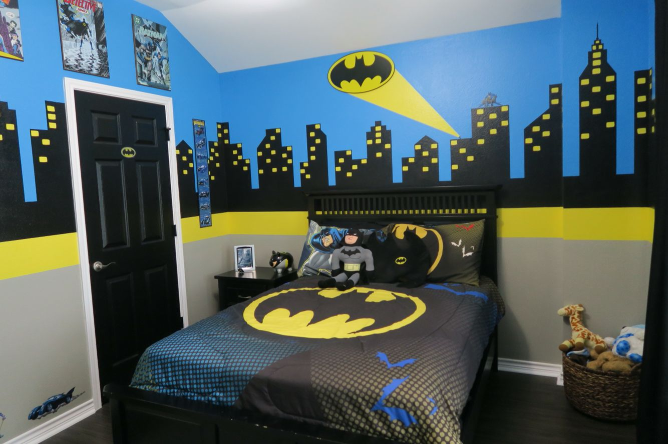 Batman Room Tour  Kid Bedrooms  Dormitorio batman