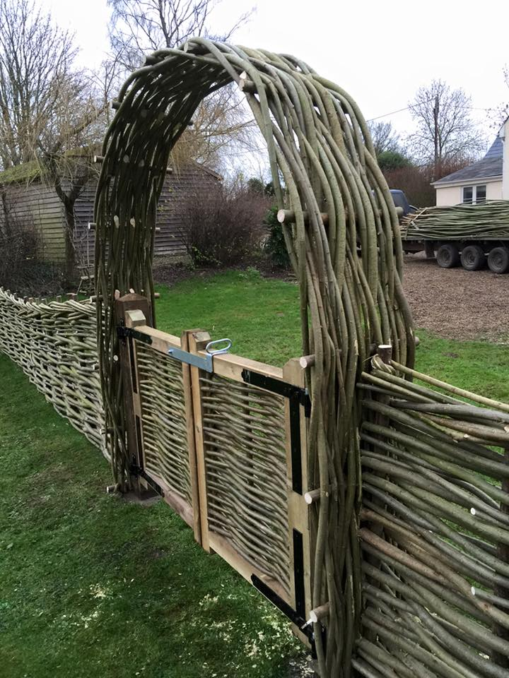 Woven Willow Gates & Arches - WonderWood