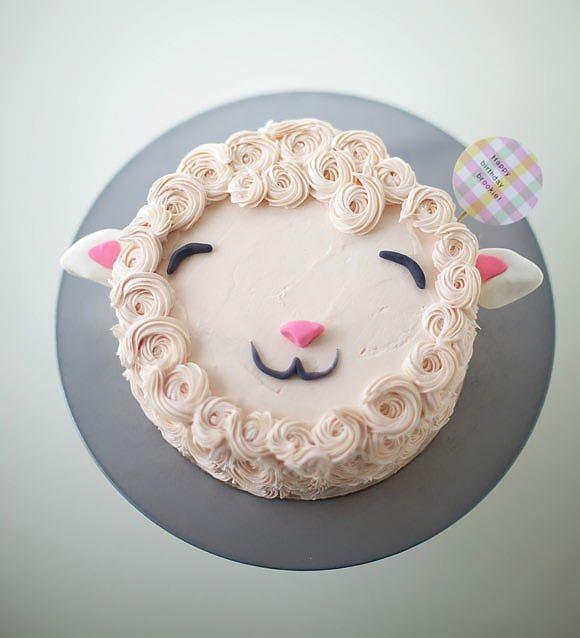Osterbrunch: Lustige Lamm Torte