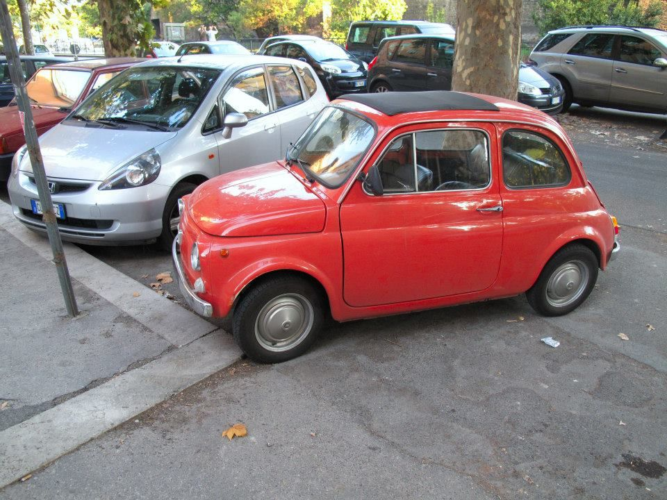 i totally want to rent a tiny car like this for our drive clown cars pinterest rome fiat. Black Bedroom Furniture Sets. Home Design Ideas