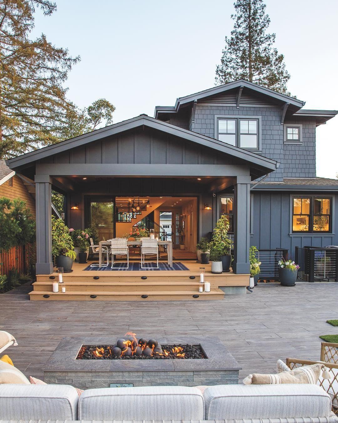 Sunset Magazine On Instagram Our Los Gatos Idea House Makes One Notable Departure From Traditional Craftsman Homes It Ev Zemin Planlari Ev Mimarisi Ev Plani
