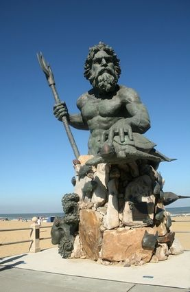 Virginia Beach Boardwalk The King Neptune Statue By Sculptor Paul Dipasquale Stands Mightily At Park Near Hilton Hotel 31st Street