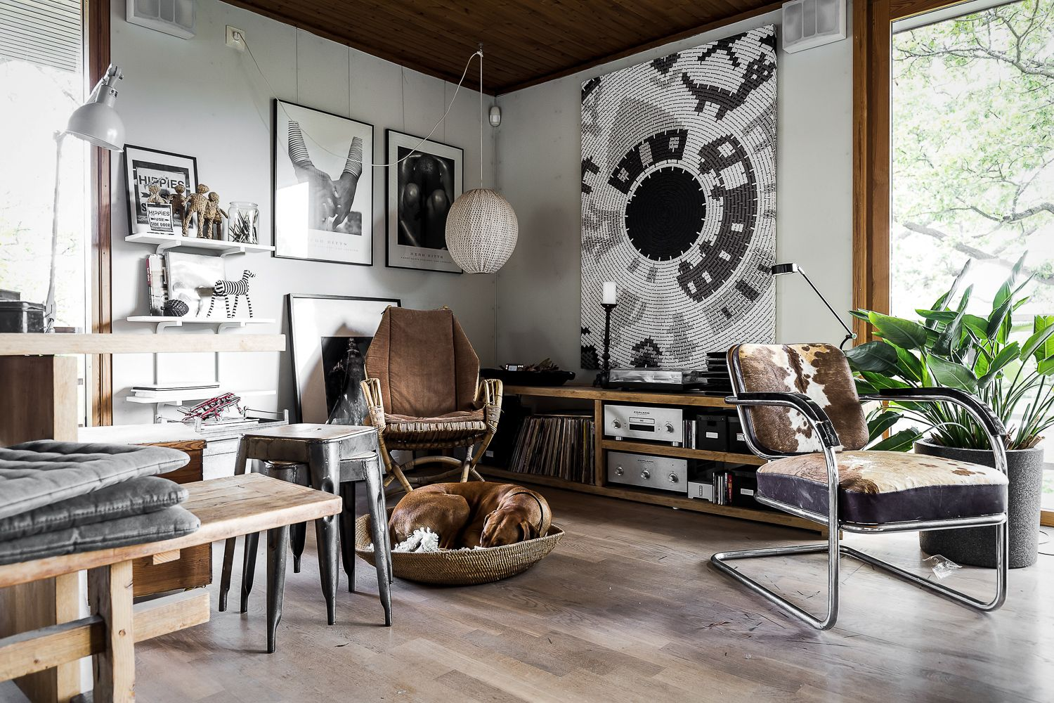 Arne jacobsen interior g  pixels  warm inside  pinterest  cowhide chair
