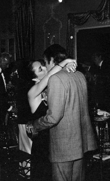 Elizabeth Taylor And Richard Burton Richard Burton Elizabeth Taylor Elizabeth Taylor Burton And Taylor