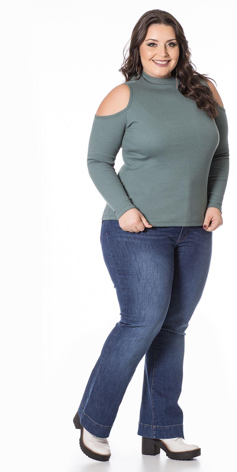 Blusa Plus Size Manga Longa com Ombros Vazados Verde é versátil e ideal  para temperaturas mais 62ee2c35950f9