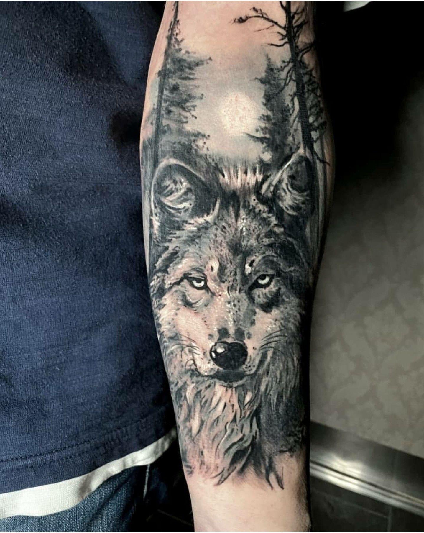Pin By Attila Tattoo Art On Tattoo Portfolio Tattoo Portfolio Animal Tattoo Wolf