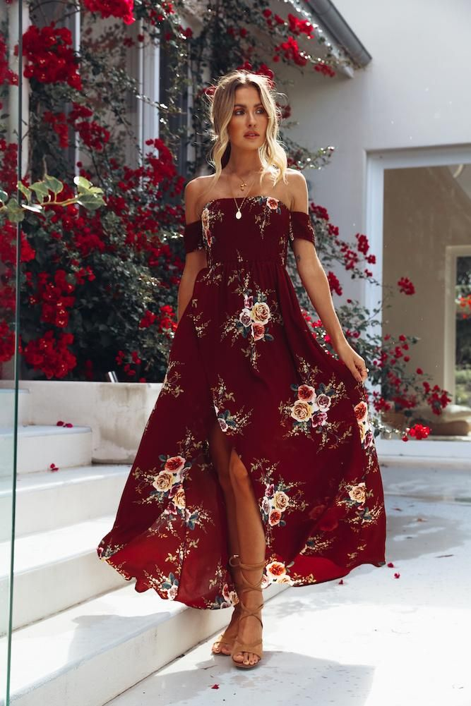 be1c3d8f88 A maxi dress featuring an allover flora print
