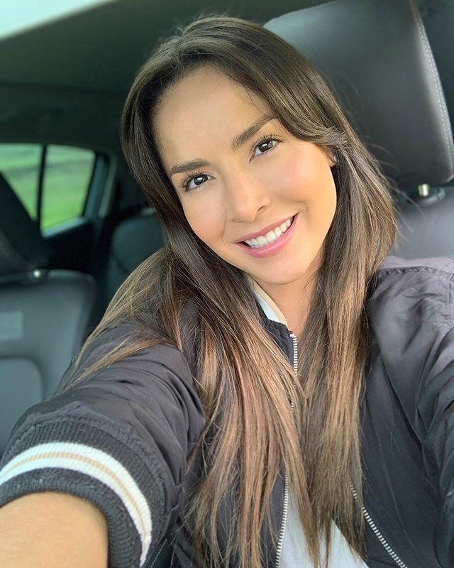 Carmen Villalobos Cvillaloboss Fotos Y Videos De Instagram Long Hair Styles Hair Styles Hair