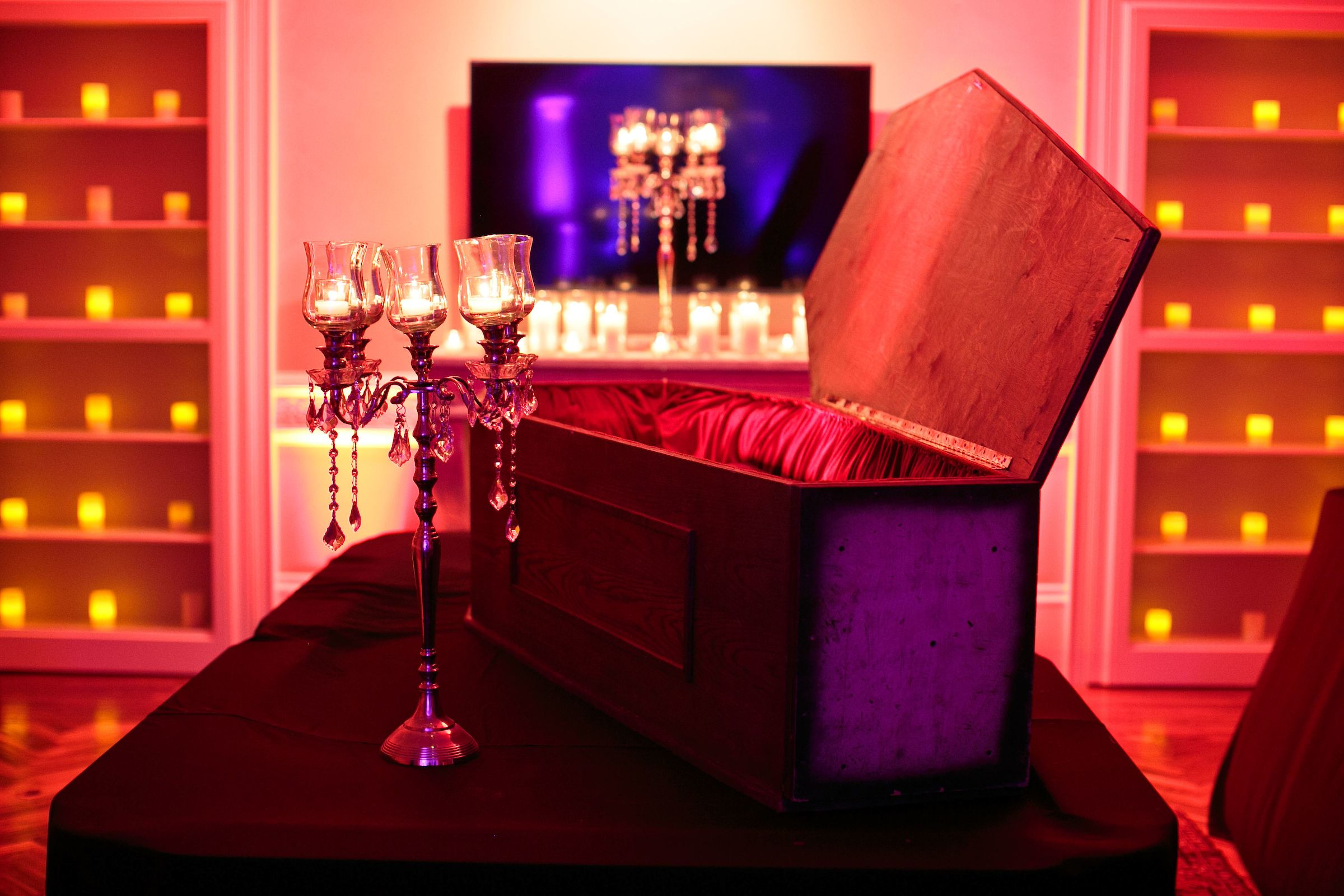 Halloween party decor // Haute Halloween Party at a Private ...
