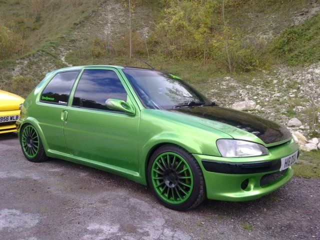 Peugeot 106 GTI - Love the colour not so much the car though ...