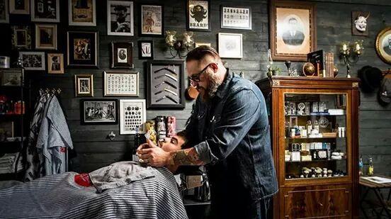 Fred's Barbershop old shaving style, votre barbier à Tournai, Belgique