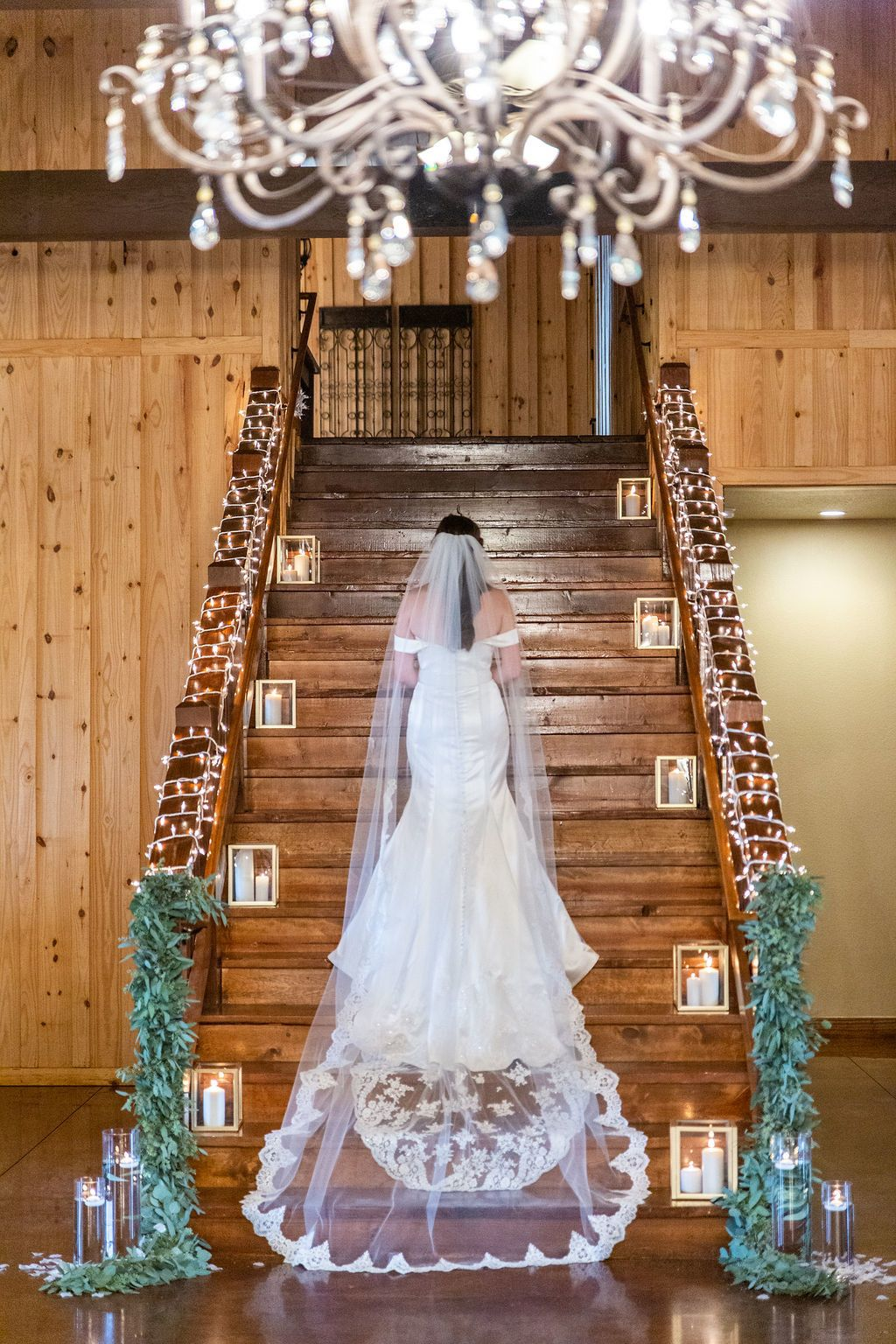 Tulsa Wedding Venue Springs Venue Tulsa Wedding Venues Wedding Staircase Decoration Wedding Staircase
