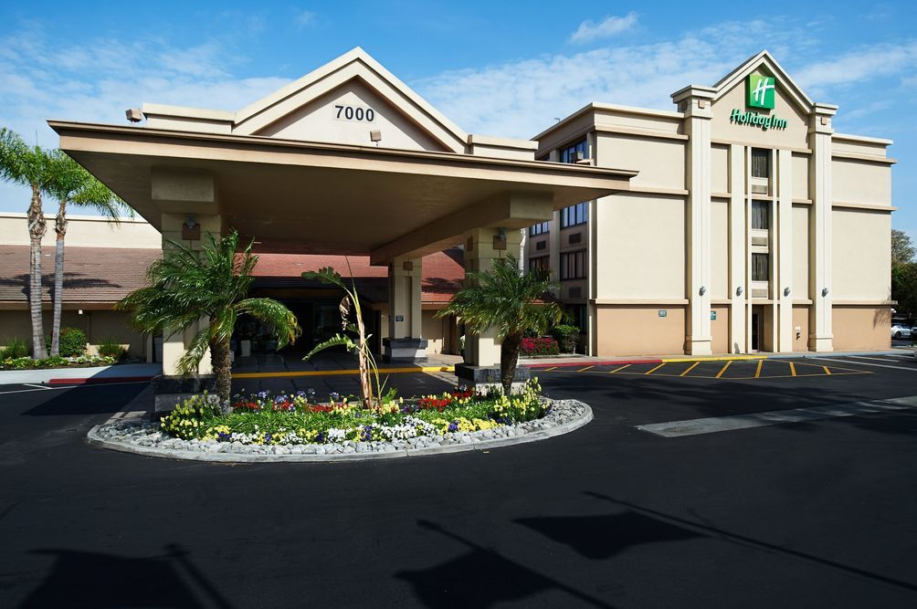 Holiday Inn Buena Park In 2020 Disneyland Area Hotels Anaheim Hotels Holiday Inn