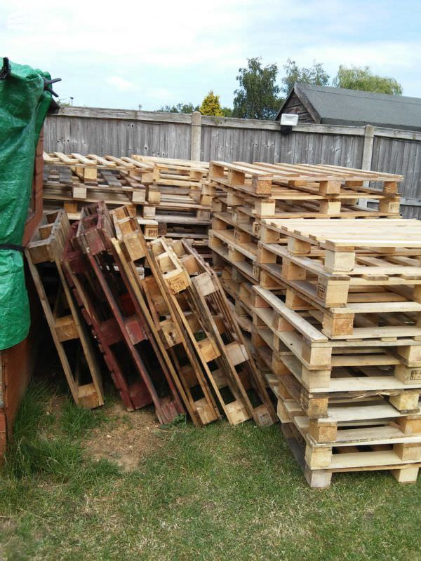 How I Made My Shed from 140 Pallets   Pallet shed plans ...