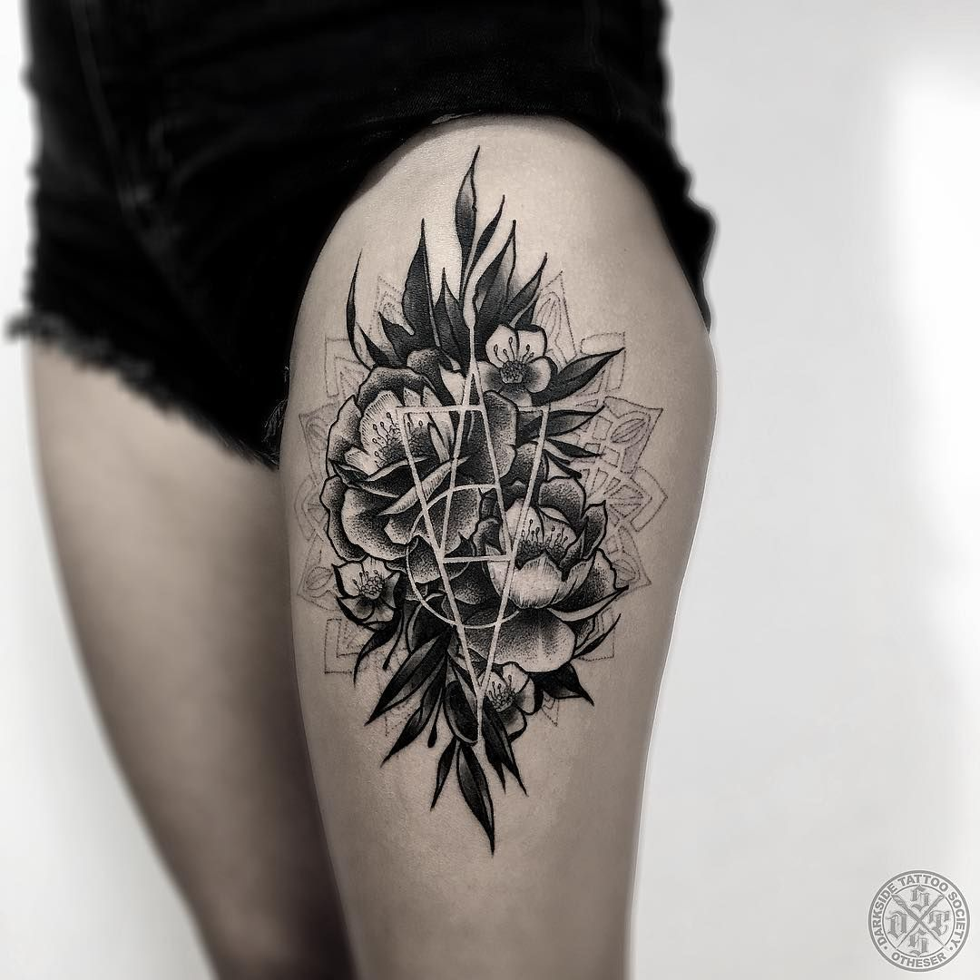 Amazing Flower Tattoo By Otheserdsts These Blackwork Thigh Tattoos