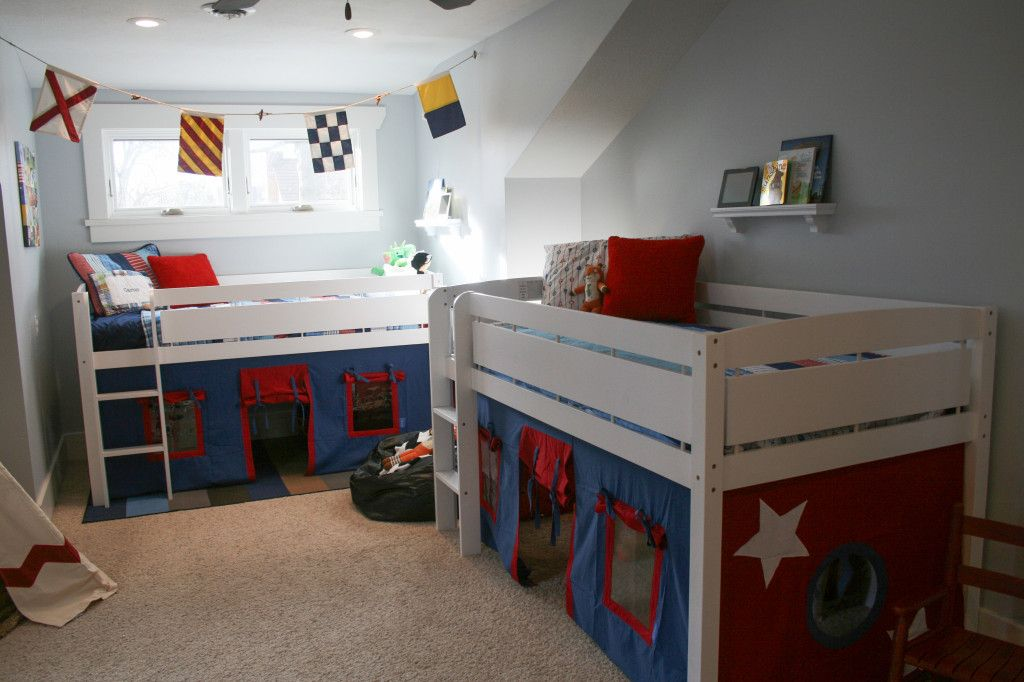 These loft bed and bed curtains (a great deal from @Amazon.com) make this shared big boy room so fun and playful! #sharedroom #bigboyroom