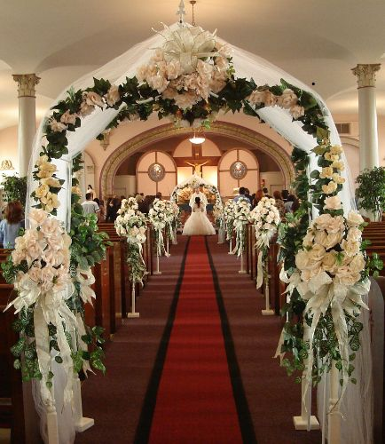 Beautiful church wedding decorations church decorations for Church wedding decorations