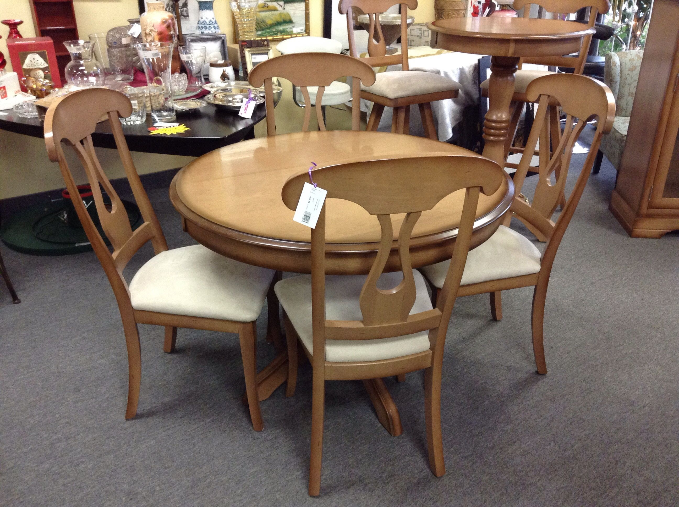 Round Dining Table Includes 4 Chairs 42 Inch Diameter With Pedestal Base Item