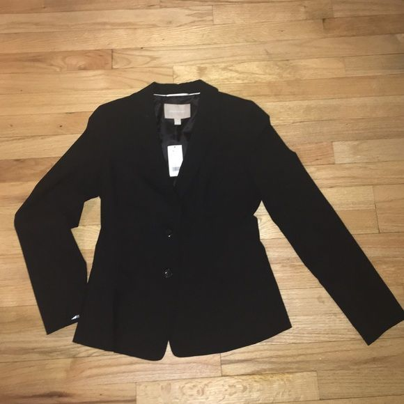 Banana Republic NWT Black Blazer Brand new Banana Republic two button black blazer. Great for work or over jeans. Perfect addition to any outfit! Banana Republic Jackets & Coats Blazers