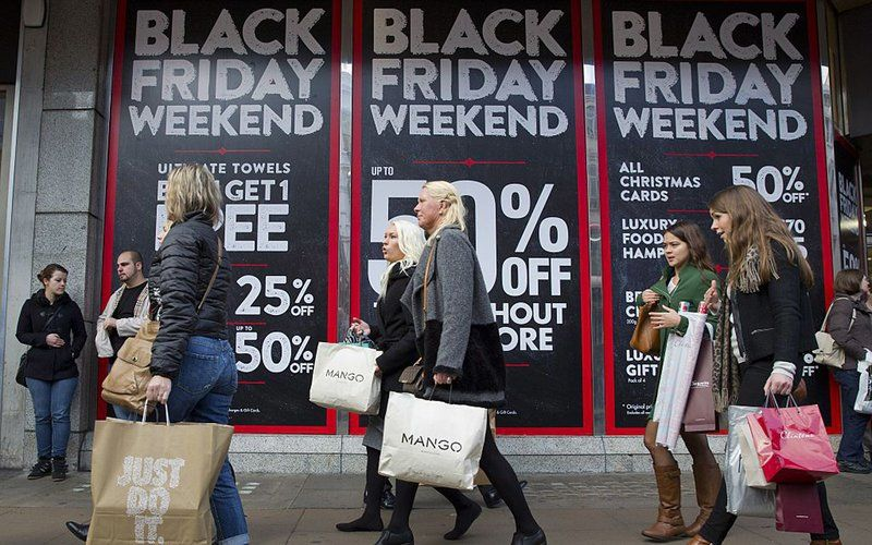 Shoppers Are Pictured Walking Past Black Friday Advertising In Shop Windows On Oxford Street In Cent Black Friday Advertising Black Friday Black Friday Deals
