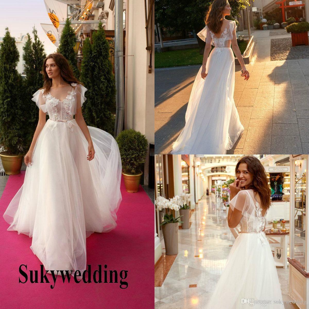 2019 Lace Beach Wedding Dresses 3d Floral Appliqued V Neck A Line
