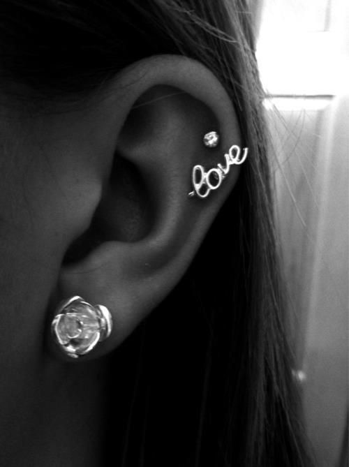 28ae9190e Never thought that such a big stud could work on someone's cartilage!  Perfection! cute earrings want the love ...